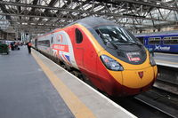 Locomotive du train Londres ↔ Glasgow de Virgin Trains en gare de Glasgow Central